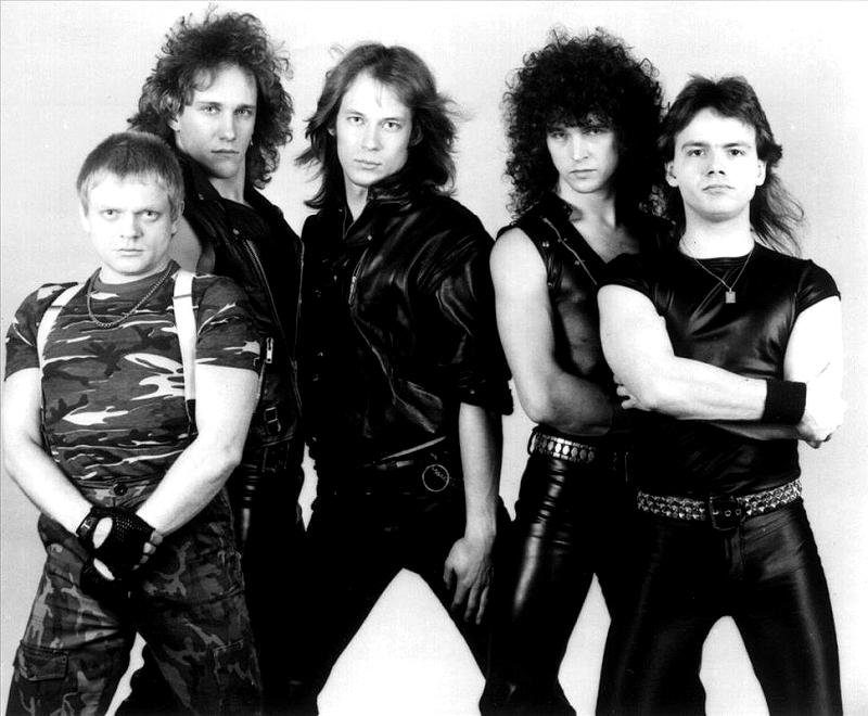 снимке историческая фото известных рок групп в молодости сказать