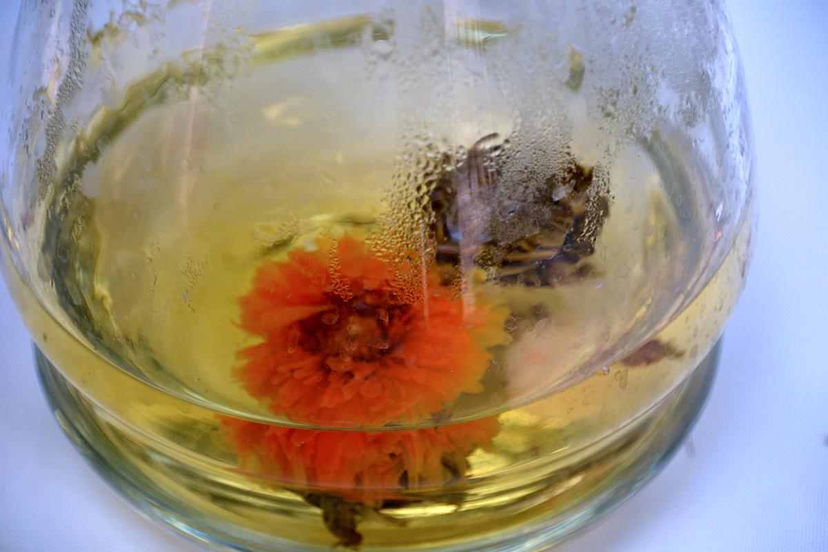 10. Цветки, которые раскрываются в воде.